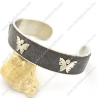 3 Butterflies Leather Bangle b002990