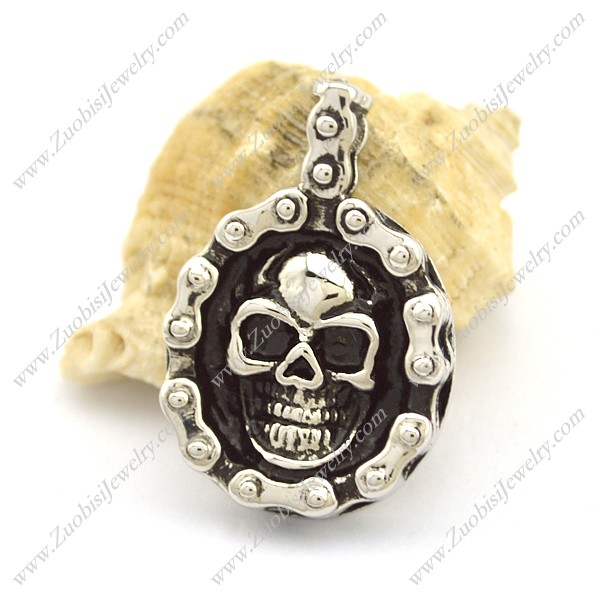 Bicycle Chain Shaped Skull Pendant